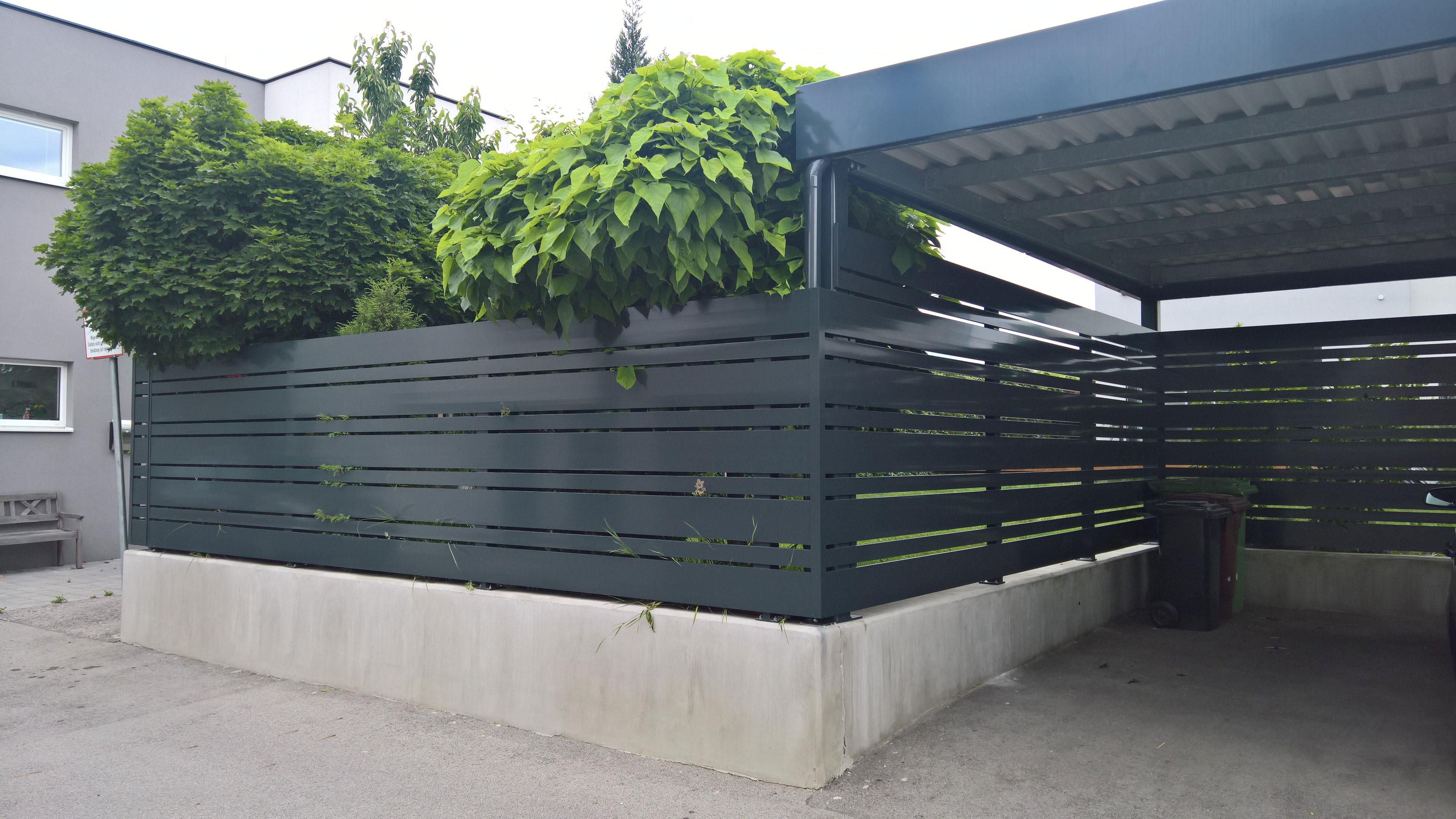 Zäune und Tore aus Aluminium Metall oder Edelstahl